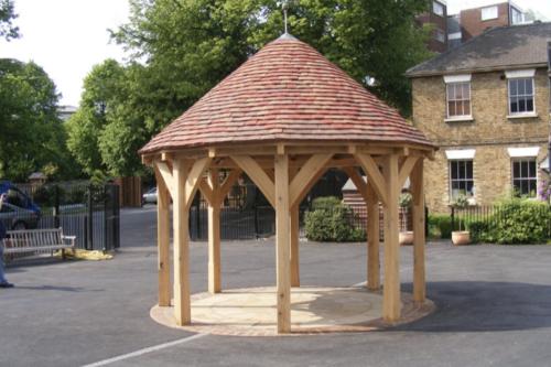 Oak-Framed-Circle-Shelter